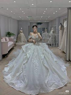Queen Wedding Dress, Wedding Dress Trends, Dream Wedding Dresses, Bridal Dresses, Quince Dresses, Gala Dresses, Quinceanera Dresses, Pretty Dresses, Beautiful Dresses