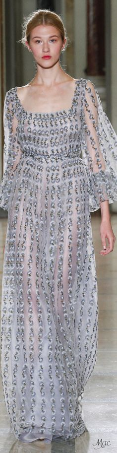 Spring 2016 Ready-to-Wear Luisa Beccaria