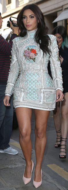 See how Kanye West shaped Kim Kardashian's wedding day style