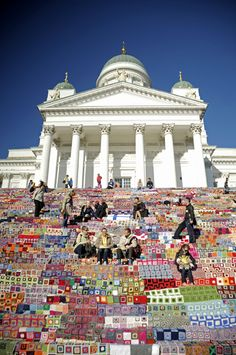 Steps covered with crocheted quilts Baltic Sea, Amazing Pictures, Helsinki, Amazing Places, Picture Photo, Places To See, The Good Place, Taj Mahal, Cathedral