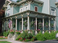 a beautiful victorian celebrates 4th of july in style