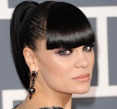 Jessie J soo Beautiful Jessie J, Chinese Bangs, Makeup Inspiration, Wedding Inspiration, Beautiful People, Beautiful Women, Women In Music, Sleek Ponytail, Male Beauty
