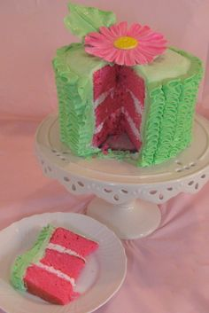 how to make a pink velvet ruffle cake Pretty Cakes, Cute Cakes, Yummy Cakes, Pink Velvet Cakes, Pink Cakes, Buttercream Ruffle Cake, Camo Wedding Cakes, Daisy Cakes, Dragon Cakes