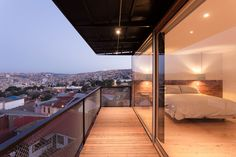 Image 11 of 26 from gallery of San Enrique 577 Hotel / Fantuzzi + Rodillo Arquitectos. Photograph by Pablo Blanco Beautiful Houses Interior, Beautiful Interiors, Beautiful Space, Beautiful Homes, Pearl Lowe, Lake Hotel, American Houses, American Decor, Interior Architecture