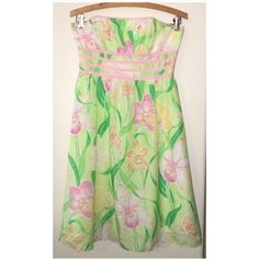 HP LILLY PULITZER floral silk strapless dress Size 2❤️Beautiful silk blendthis lined dress flows so wellribbon trimback zippergood condition and very clean.❤️price is firm ❤️HAPPY POSHING MY FRIENDS❤️ Lilly Pulitzer Dresses Strapless