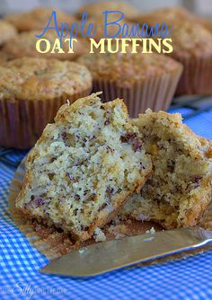Banana Oat Muffins Apple Banana Oat Muffins, an easy, on the go snack with the flavors of banana bread! - Apple Banana Oat Muffins, an easy, on the go snack with the flavors of banana bread! Banana Oat Muffins, Banana Oats, Banana Bread, Bran Muffins, Apple Muffins, Apple Bread, Muffin Recipes, Apple Recipes, Breakfast Recipes