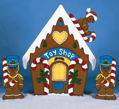 All Christmas - Gingerbread Toy Shop Woodcraft Pattern Gingerbread Christmas Decor, Gingerbread Crafts, Christmas Yard Art, Handmade Christmas Decorations, Christmas Ornaments To Make, Christmas Wood, Xmas Decorations, Christmas Projects, Wood Crafts