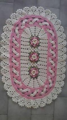 Jenny Boone's media content and analytics Crochet Doily Rug, Crochet Carpet, Crochet Table Runner, Crochet Mittens, Crochet Dishcloths, Crochet Tablecloth, Thread Crochet, Crochet Yarn, Crochet Bobble