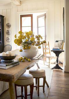 Farmhouse Kitchen in by Suzanne Kasler Interiors