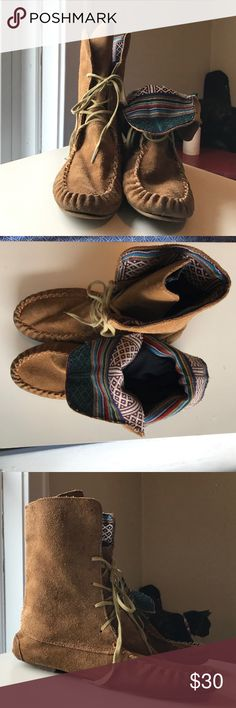 Steve Madden moccasin Booties Barely worn and in nearly new condition. Slight rip in the top of the tongue of the inner lining but it's barely noticeable with the loose way these shoes are worn. Steve Madden Shoes Ankle Boots & Booties