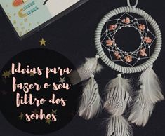 DIY: Beautiful recycled paper jewelry ⋆ Facing The Sea Crochet T Shirts, Crochet Blouse, Crochet Clothes, Crochet Mandala Pattern, Crochet Stitches, Crochet Patterns, Crochet Poncho With Sleeves, Crochet Headband Free, Diy Handbag