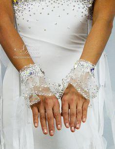 D595ホースヘアフリルとスカート切替の純白モダンドレス : 社交ダンスウェアNiniDance