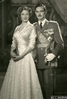 Royal glamour of the past : Grand Duke Jean of Luxembourg and consort, Grand Duchess Josephine Charlotte, nee Pss of Belgium. Royal Brides, Royal Weddings, Glamour, Grand Duc, Princesa Real, Royal Families Of Europe, Casa Real, Adele, Royal House