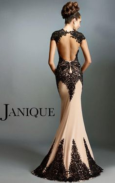 I seriously am considering going into evening gowns or bridal after seeing this. And I hate fancy dresses and gowns, but this is giving me life right now Elegant Dresses, Pretty Dresses, Sexy Dresses, Formal Dresses, Wedding Dresses, Sexy Gown, Dresses 2016, Formal Prom, Formal Wear