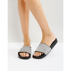 Bershka Metallic Textured Slider (460 MXN) ❤ liked on Polyvore featuring shoes, silver, bershka shoes, metallic shoes, slip on shoes, slip-on shoes and pull on shoes