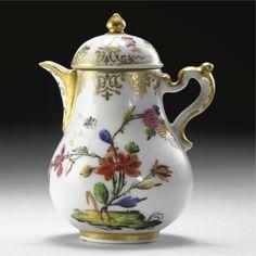 A CAPODIMONTE COFFEE-POT, CIRCA 1750;