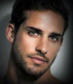 Beautiful Men Faces, Most Beautiful People, Gorgeous Men, Handsome Arab Men, Handsome Faces, Black Hair Green Eyes, Hunks Men, Stunning Eyes, Pretty Men