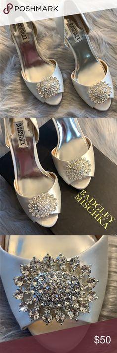 edb8cff5e 💎Badgley Mischka Satin Heels💎 Elegant white satin heels with rhinestone  encrusted brooch. Peep