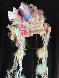 Deluxe Baby Girls Indian Headdress Feather Headdress Wild One Girl Feather Jewel. - Deluxe Baby Girls Indian Headdress Feather Headdress Wild One Girl Feather Jewelery fasching Source by - Girl First Birthday, First Girl, Baby Turban, Elastic Headbands, Baby Headbands, Indian Headband, Feather Headdress, Feather Crown, Creation Couture