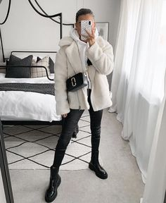 Casual College Outfits, Cute Casual Outfits, Stylish Outfits, Winter Fashion Outfits, Fall Winter Outfits, Autumn Fashion, Mode Shoes, Look Girl, Winter Mode