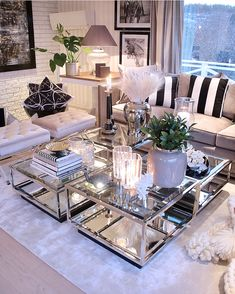Personalize your home decoration with pretty digital printables. Decor, Living Room Inspo, Luxury Living Room, Glamorous Living Room, Living Room Coffee Table, Table, Home Decor, Decorating Coffee Tables, Cozy Interior