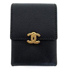 【中古】CHANEL(シャネル) A11542 キャビアスキン シガレットケース ココマーク ブラック ゴールド金具/新品同様・極美品・美品の中古ブランドバッグを格安で提供いたします。