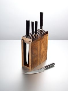 Ted's Woodworking Plans - Cool knife block Get A Lifetime Of Project Ideas & Inspiration! Step By Step Woodworking Plans Cool Woodworking Projects, Woodworking Crafts, Woodworking Plans, Woodworking Shop, Cool Wood Projects, Carpentry Projects, Woodworking Classes, Woodworking Techniques, Diy Knife