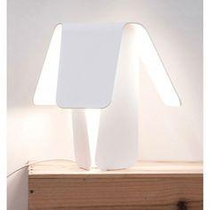 ... nachtkastje op. #verlichting #lamp #Flindersdesign #slaapkamer #wonen