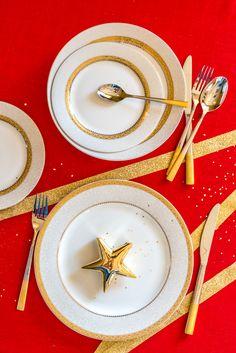 Adaugă puțină dragoste și puțină creativitate și decorează-ți căminul în spiritul sărbătorilor de iarnă. Vizitează Nobila Casa pentru o doză de inspirație! Tiered Cakes, Christmas, Color, Magick, Xmas, Colour, Navidad, Noel, Natal