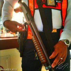 もう見慣れちゃった銃社会 #shotgun #guns #philippines