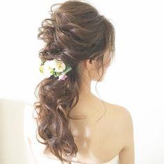 weddinghair ふわふわローポニーヘア #wedding #hairstyles #ヘアスタイル #ローポニーテール #ponytail #ヘアアレンジ #ウェディング #bride #プレ花嫁#全国のプレ花嫁さんと繋がりたい #日本中のプレ花嫁さんと繋がりたい #ブライダル#ブライダルヘア #ブライダルヘアメイク #ブライダルネイル #前撮り#後撮り#卒花 #marry花嫁 #結婚#結婚式 #結婚式準備 #2017秋婚 #2018冬婚 #2018秋婚 #2018夏婚 #2018春婚 #海外挙式 #海外ウエディング #ハワイ婚 #ハワイ挙式 #ハワイ挙式準備 #ハワイヘアメイク#ハワイヘアメイクママノ #ヘアセット #ヘアアレンジ . . . ふわふわローポニーヘア♡ お花コームのアレンジ♪ . . 素敵ブライド ハワイでの後撮りフォトツアー 楽しんで行ってらっしゃい♪ ヘアメイクのご予約ありがとうございました♡ . ブログ更新しています♡ 「お幸せに〜!海外挙式」