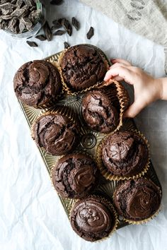 Think Food, Love Food, Triple Chocolate Muffins, Chocolate Chips, Chocolate Hazelnut, Just Desserts, Dessert Recipes, Sweet Bread, Sweet Recipes