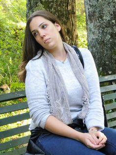 Alla fonte Acqua Chiara con la mia sciarpina veneziana #angieclausblog #newpost #newoutfit #fashion #fashionblogger #lifestyle #look #hm @hm #sciarpa #scarf #burano #merletto #venice #maglia  http://angieclausblog.com/2014/10/28/alla-fonte-acqua-chiara-con-la-mia-sciarpina-veneziana/