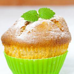 Μάφινς με λεμόνι και καρύδα | medΝutrition Lemon Recipes, New Recipes, Cake Recipes, Cupcakes, Cupcake Cakes, Food Cakes, Angel Cake, Yummy Cakes, Cake Pops