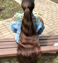 A big cut for the massive ponytail. It was 16 inches.she didn't want anything else( I would like to go shorter) Long Brown Hair, Very Long Hair, Thick Hair, Cut My Hair, Your Hair, Long Hair Community, Chelsea Houska Hair, Long Hair Ponytail, Long Hair Models