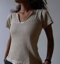 Free knitting pattern for tee top with short sleeves and the knit version of pintuck on front. chirimoya's Moonbeam project based on free pattern Pintuck
