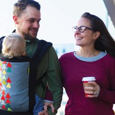 Dads rock. Babywearing dads rock harder! :) We've got lots of dad-friendly prints, and the easy adjustments of our Boba 4G Carrier make is simple to switch back and forth between mom and dad, front carry to back carry, carry to nursing and back again, carry to sleep to transfer. #freedomtogether