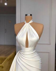 Stunning Dresses, Elegant Dresses, Pretty Dresses, Glam Dresses, Sexy Dresses, Fashion Dresses, Fashion Clothes, Designer Evening Dresses, Evening Gowns