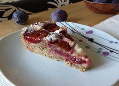 Almond plum cake / Mandlový koláč se švestkami a marcipánem
