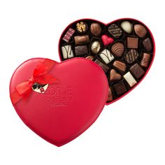 Corné Port-Royal Heart-Shaped Leather Box, 440 g, 30 chocolates. Belgian chocolate Valentine's gift.