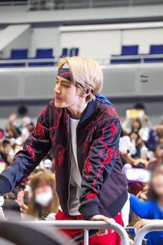Read 13 from the story Bunny Lover (Taekook) ✓ by Innocentpervert (Innocent Pervert) with reads. Taehyung groaned in pain as he tu. Jimin, Jungkook Jeon, Kim Taehyung, Bts Bangtan Boy, Namjoon, Taehyung 2017, Daegu, Jung Kook, Billboard Music Awards