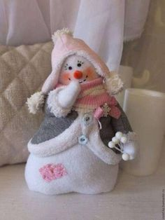Sewing Christmas Crafts Fun Ideas For 2019 Sock Snowman, Snowman Crafts, Christmas Projects, Felt Crafts, Holiday Crafts, Diy And Crafts, Snowmen, Christmas Sewing, Christmas Snowman