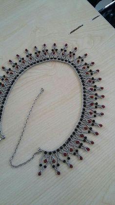 Best 11 Beautiful beaded necklaces – Page 561753753517050882 – SkillOfKing. Beaded Wedding Jewelry, Beaded Jewelry Designs, Seed Bead Jewelry, Bead Jewellery, Necklace Designs, Beaded Necklace Patterns, Lace Necklace, Beading Patterns, Beaded Necklaces