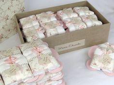 Caixa e lembrancinhas toalhinhas de mãos na exclusiva e charmosa placa de borboleta!    - floral nude com rosa bebê -    - Lembrancinhas - 13,00 cada  - Caixa Maternidade- 189,00    Caixa grande em madeira, toda revestida em tecido e impermeabilizada. Mede 40 x 20 x 13 cm e serve posteriormente p... Making Bar Soap, Event Organization, Diy Candles, Home Made Soap, Cute Crafts, Coffin Nails, Baby Gifts, Bed Pillows, Favors