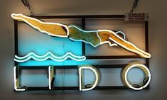 A family firm has been supplying neon to Londoners for years. Neon Sign Art, Neon Signs, Seaside Theme, Flat Ideas, Wayfinding Signage, Neon Lighting, Light Art, City Lights, Layout Design