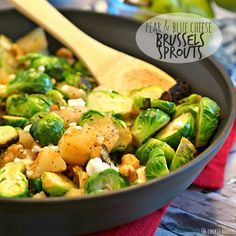 Pear and Blue Cheese Roasted Brussels Sprouts are the perfect delicious Thanksgiving side dish! So easy, healthy, and amazingly delicious. BEST THANKSGIVING SIDE DISH!