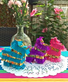 Hey, I found this really awesome Etsy listing at https://www.etsy.com/listing/203177346/mini-pinata-favors-and-decorations-for