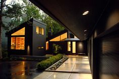 Oregon Pottery Studio: contemporary exterior by Giulietti Schouten Architects //