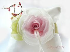 melinda gemmaroses vintage wedding - wintage ring bearer pillow