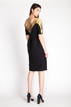 Leotie dress by Named pattern company. Very cool batwing-ish sleeve and contrast yoke detail, see the pattern drawing.